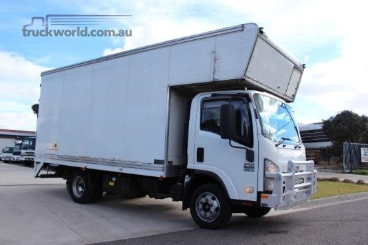 2009 Isuzu NPR 250 Premium Trucks for Sale