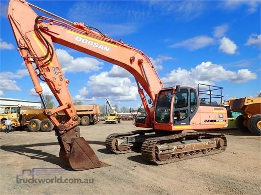 2006 Doosan DX300 LC - Heavy Machinery for Sale