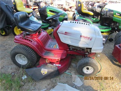 WHITE L&G TRACTOR (RUNS) Other Auction Results - 1 Listings