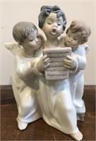 "Lladro no. 4542  ""Three Angels Singing"" Figurine"