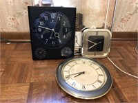 Lot Of Clocks and More
