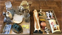 Flat Of Decorative Items
