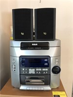 RCA 5 Disc CD / Casette Player With CDs,