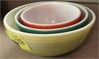 Pyrex Nesting Bowls