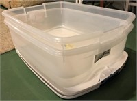 35 QT Tote With Lid