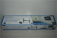 AVF TV WALL MOUNT FLAT AND TILT 30-90IN USED