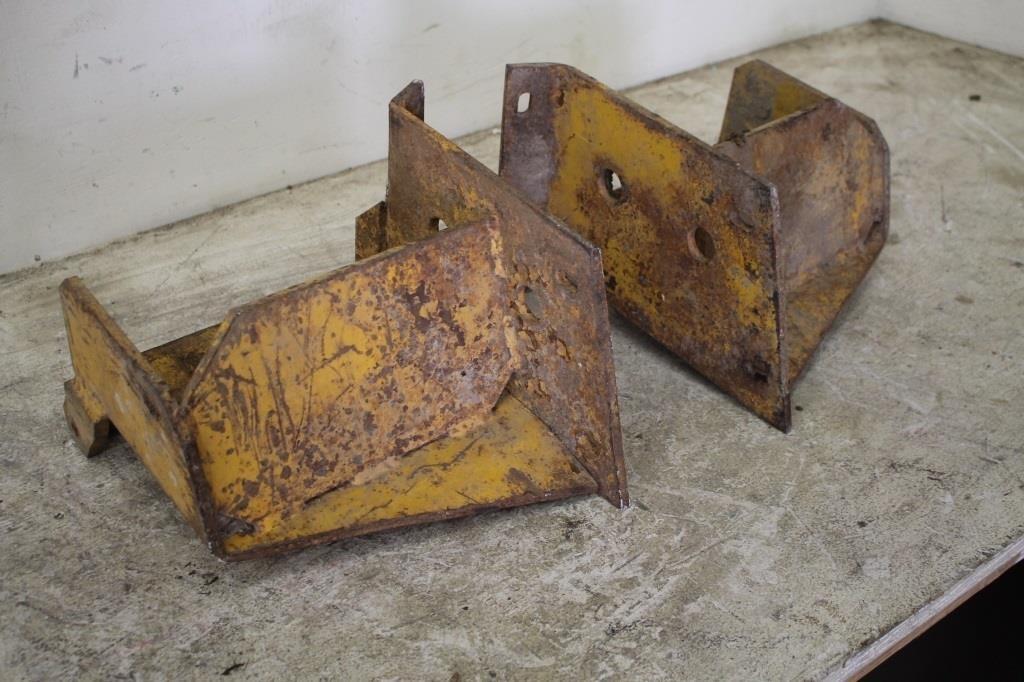 WEIGHT BRACKETS FOR JOHN DEERE 260 SKID STEER | SPENCER SALES
