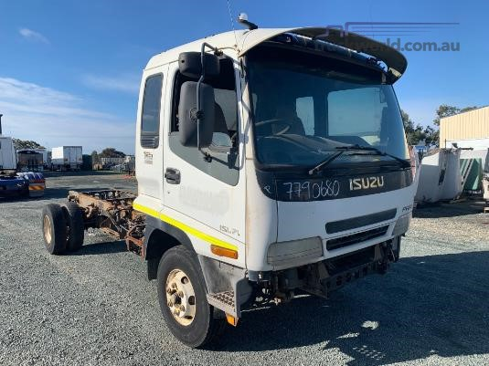 2005 Isuzu FRR 525 - Wrecking for Sale