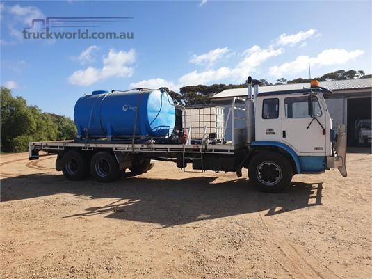1994 International Acco 2350E - Wrecking for Sale