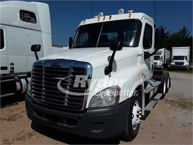 FREIGHTLINER CASCADIA 125 Conventional Day Cab Trucks For