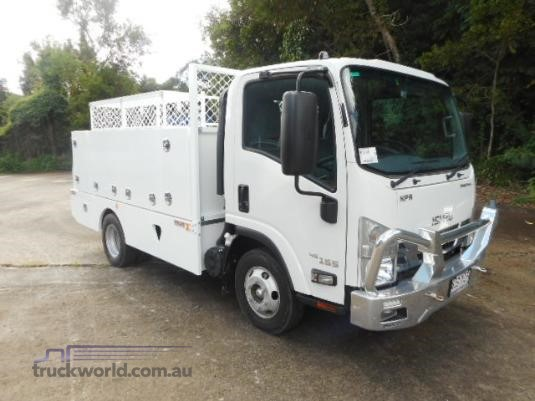 2017 Isuzu NPR 200 Short Trucks for Sale