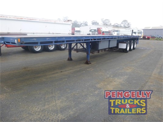 2012 Highway Master Flat Top Trailer Pengelly Truck & Trailer Sales & Service - Trailers for Sale