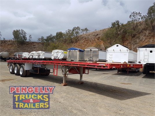2013 Maxitrans Flat Top Trailer Pengelly Truck & Trailer Sales & Service - Trailers for Sale