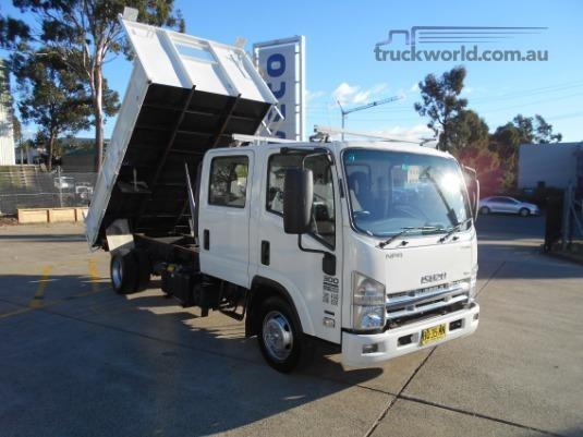 2012 Isuzu NPR 300 Premium - Trucks for Sale