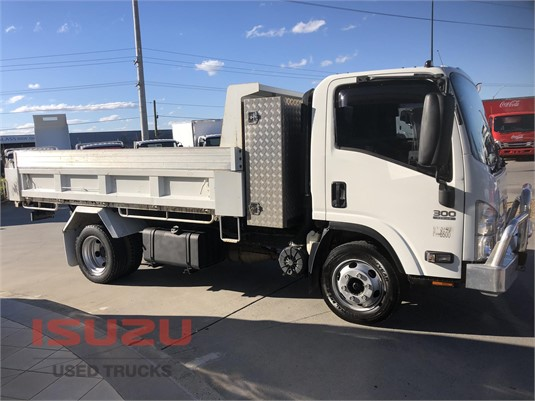 2013 Isuzu NPR Used Isuzu Trucks - Trucks for Sale