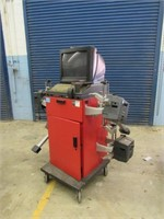 Hunter P611M Alignment Machine-