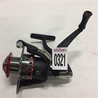 4 BEARING SYSTEM FISHING REEL (RIGHT HAND)