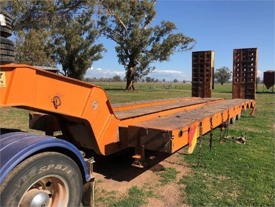 2002 Lusty TRI AXLE Trailers for Sale