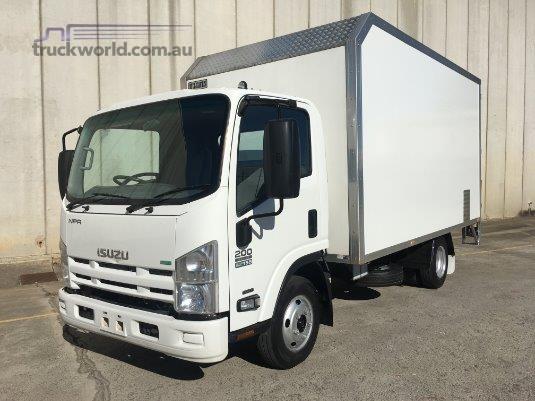 2013 Isuzu NPR 200 Medium AMT Trucks for Sale
