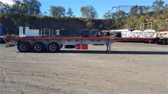 2009 Freighter Flat Top Trailer - Trailers for Sale