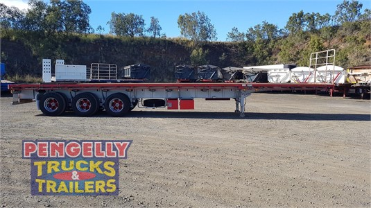 2009 Freighter Flat Top Trailer Pengelly Truck & Trailer Sales & Service - Trailers for Sale