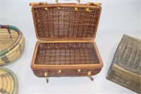 Wicker Purse, Basket with Lid, Small Picnic
