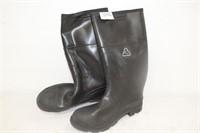 Size (13) Men's Rubber Boots