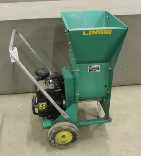 LINDIG WOOD CHIPPER WITH 5HP BRIGGS AND STRATTON   Smith