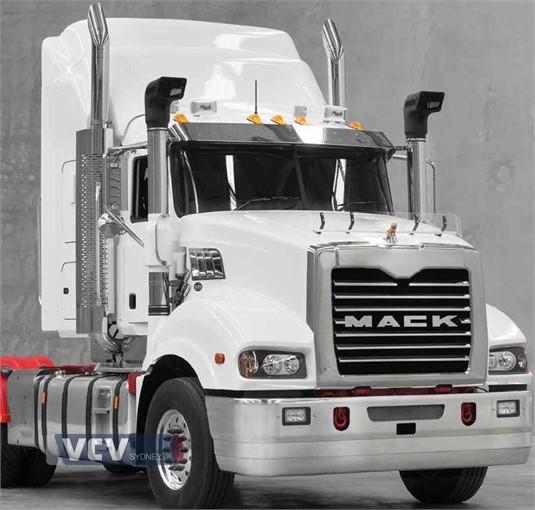 Mack Trident Axle Back