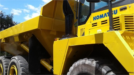 2008 Komatsu HM300-2 - Heavy Machinery for Sale