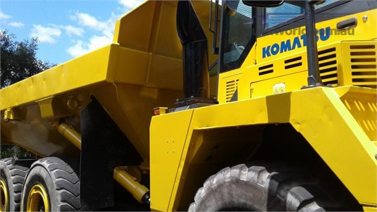 2008 Komatsu HM300-2 - Heavy Machinery for Sale