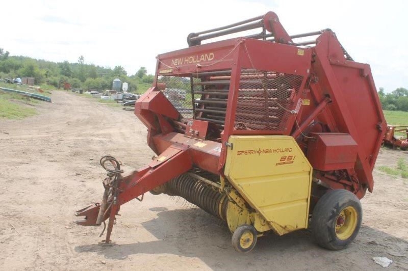 NEW HOLLAND 861 ROUND BALER, WORKS PER SELLER, | Smith Sales LLC