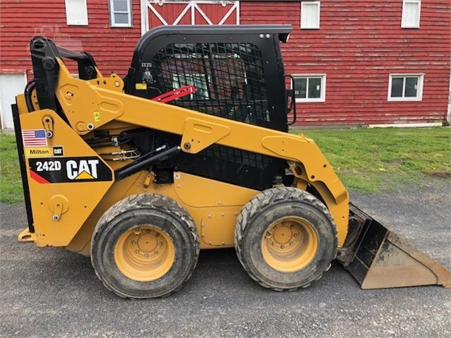 2014 CAT 242D For Sale In Selkirk, New York