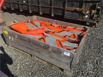 ROAD CONSTRUCTION FLAGS Other Auction Results - 1 Listings