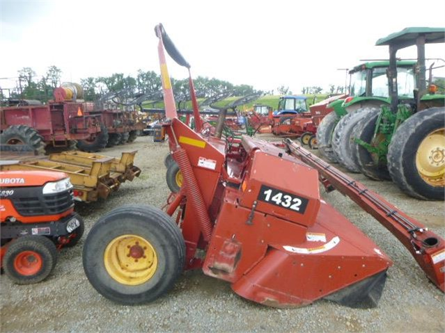 Lot # 372 - 2010 NEW HOLLAND 1432 DISCBINE For Sale In Uniontown,  Pennsylvania