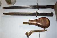 Military Items Bayonet Powder Horn & Measuring