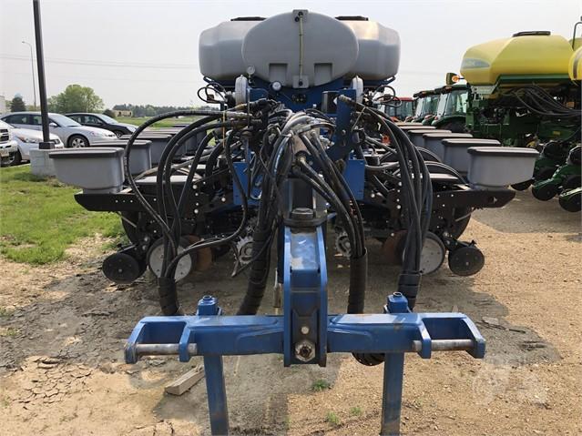 2014 KINZE 4900 For Sale In Watertown, South Dakota
