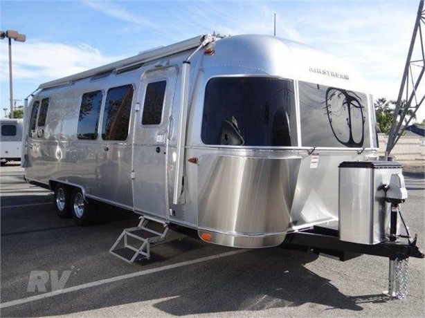AIRSTREAM INTERNATIONAL SERENITY 28RB Travel Trailers For