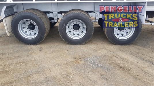 2011 Barker Flat Top Trailer Pengelly Truck & Trailer Sales & Service - Trailers for Sale