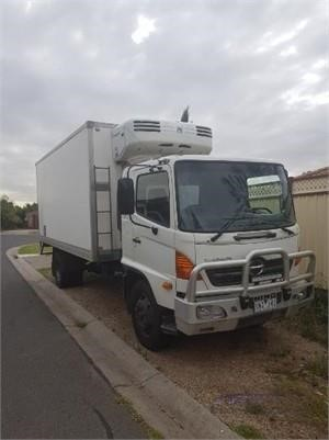 2004 Hino GD1J - Trucks for Sale