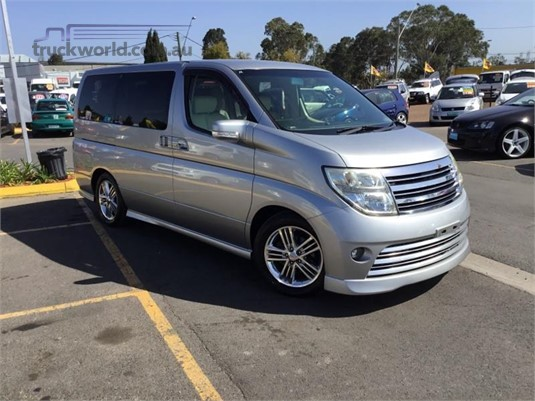 2004 Nissan Elgrand Light Commercial for Sale