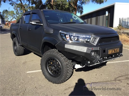 2016 Toyota Hilux Light Commercial for Sale