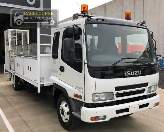 2007 Isuzu FRR 525 Racecourse Motor Company - Trucks for Sale
