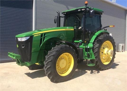 2013 John Deere 8260R - Farm Machinery for Sale