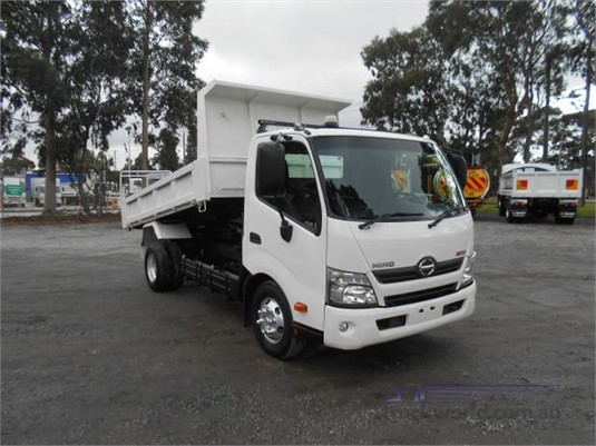 2017 Hino 300 Series 717 - Trucks for Sale