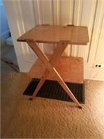Wooden Table 24x21x32