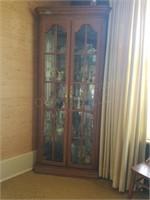 Corner Curio Cabinet Approx. 32x21x85