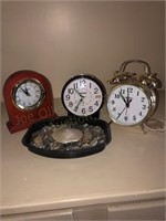 Clocks- Sand Dollar
