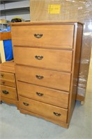 5 Drawer Dresser and Nightstand