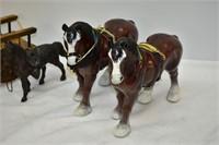 (4) Horses